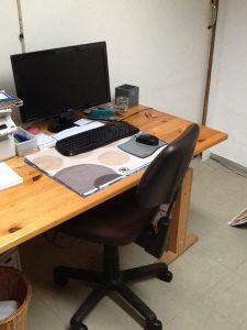 Ein Blick auf den Schreibtisch im LoWi-Büro